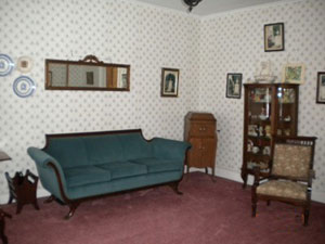 dakin funeral home sitting area